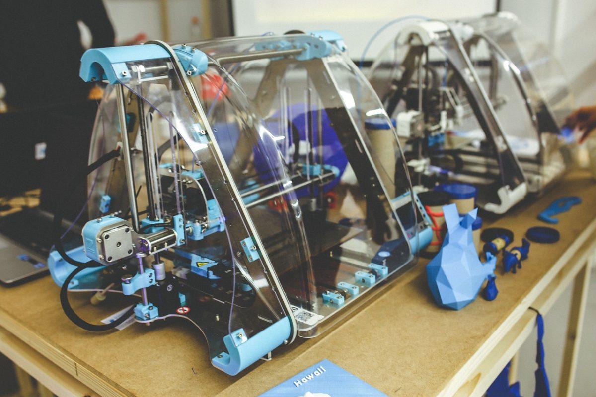 En la zona expositiva, los visitantes podrán ver varios modelos de impresoras 3D y sus aplicaciones en diferentes sectores.